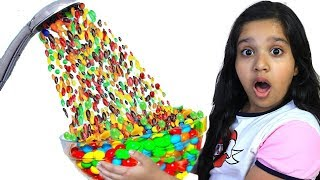 شفا و الدش السحري !!! Shfa pretend play Hand Shower m&ms
