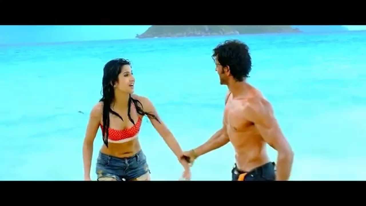 Katrina Kaif Bikini Top  Hot Shorts In Bang Bang Hd 1080P -5909