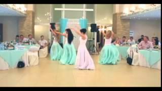 Танец подружек невесты и собственно невечты))))