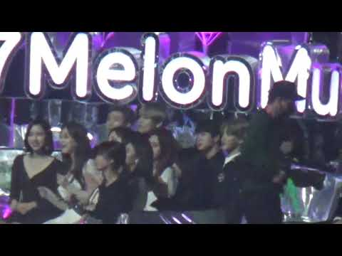 [Fancam] BTS Enjoying Trot Performance + Top 10 Award MMA 2017