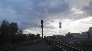 Фото Тепловоз ТЭП70-0352 с приветом следует резервом через обходные пути на оборот локомотива