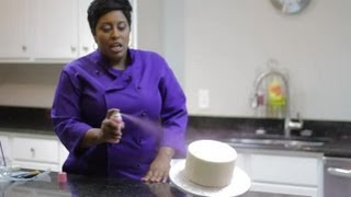 Cake Decorating With a Spray Can : Cake Decorating