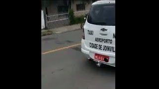 Treta entre UBER e Taxistas em Joinville