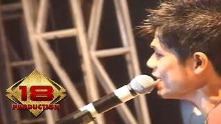 Baim - Ough ( Live Konser Pesta Merah Putih Batam 2006 )