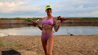 ДИКАРЯМИ на ДНЕПРЕ Рыбалка на ФИДЕР В ПАЛАТКЕ на берегу реки 250