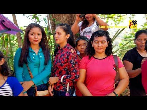 Chicas lindas feria en Santa Catarina - Ediciones Mendoza