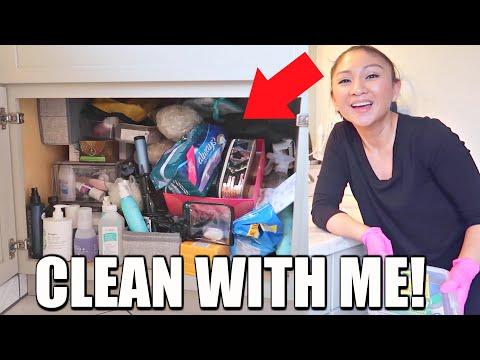 CLEAN WITH ME! Under Bathroom Sink DeClutter + Organize