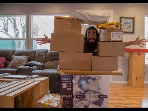 WHATS IN ALL THESE BOXES?!
