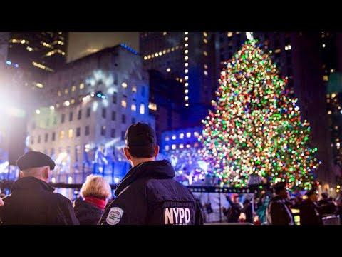 NEW YORK CITY 2018: WALKING THROUGH THE CHRISTMAS MANHATTAN! [4K]
