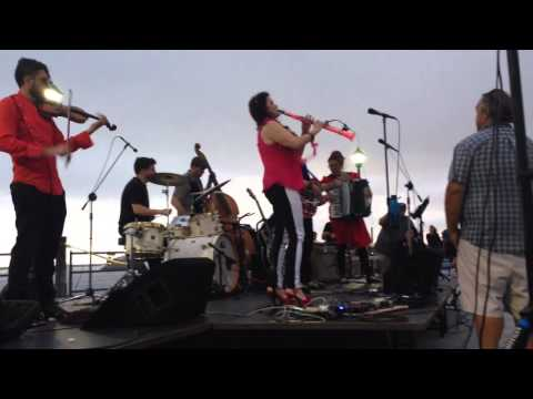 "The Vignatis ""Dark Eyes/Ochi Chernye/Les Yeux Noir"" Gypsybilly Music @ Redondo Pier 2015"