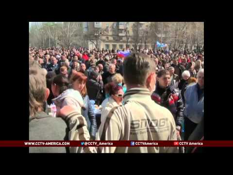 Ukraine: Pro-Russian Supporters Seize Donetsk Building