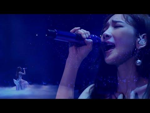 TAEYEON - Gravity (  's... Taeyeon Concert In Seoul ) Full HD 1080P