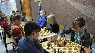 Turniej szachowy UMKS Wie¿a na osiedlu Stacja