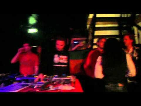 Reggae vibes livingroom zwolle hifi soundz irey selecta for Living room zwolle