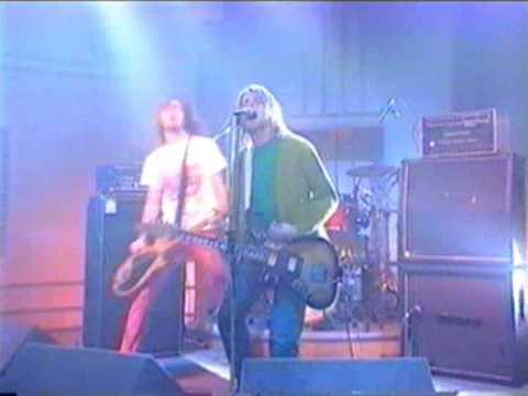 Nirvana quebrando tudo em programa de TV