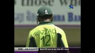Abdul Razzaq smashes India 88 (13 4's, one 6) 2nd ODI 2005. INDIA CHOKED