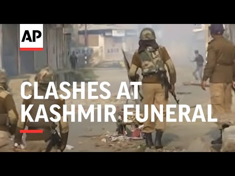 30 injured in clashes at Kashmir funeral