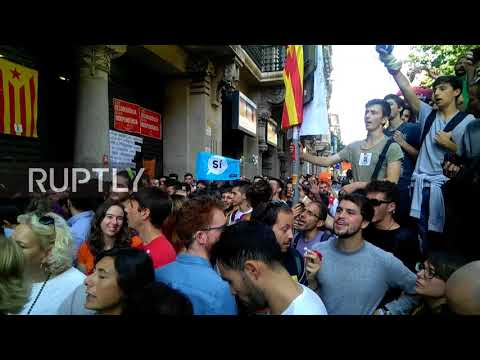 Spain: Protesters besiege Econ Ministry over arrest of Catalan government officials