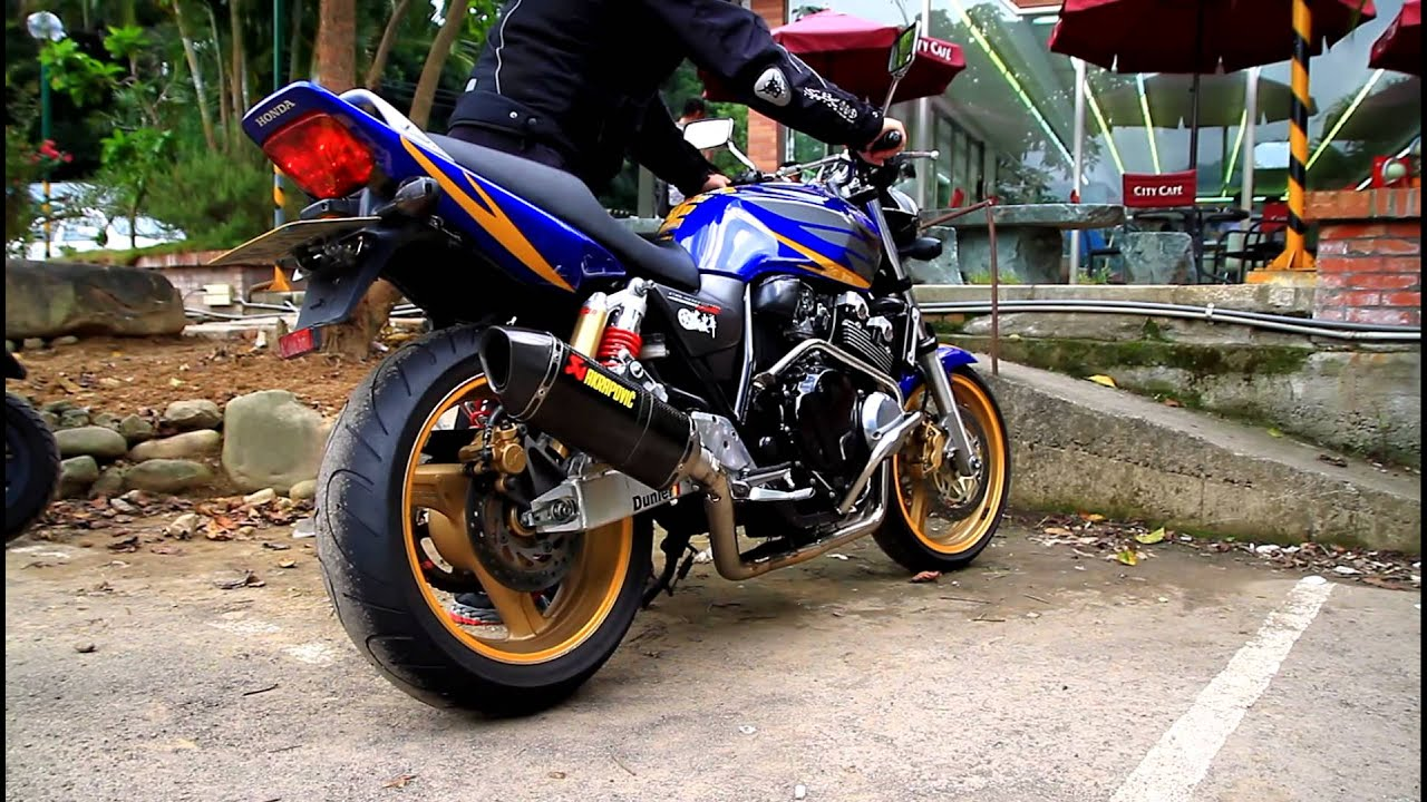 HONDA CB400 sound akrapovic - YouTube