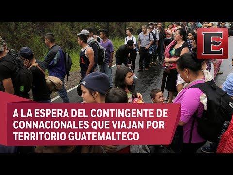 Hondureños a punto de ingresar a México en la frontera con Chiapas