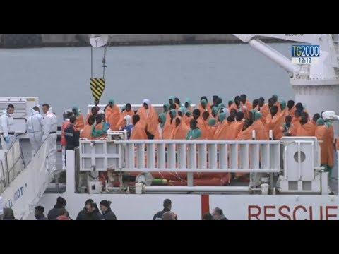 Migranti, naufragio del 6 gennaio: a Catania gli 86 superstiti e le 8 vittime, tutte donne