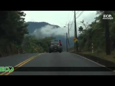 Peligrosa maniobra de una persona en un vehículo en Pastaza