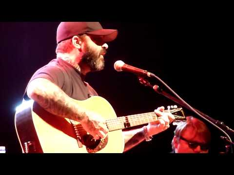 Aaron Lewis  NEW STAIND  Something To Remind You   @ KCs Voodoo Lounge 4222011