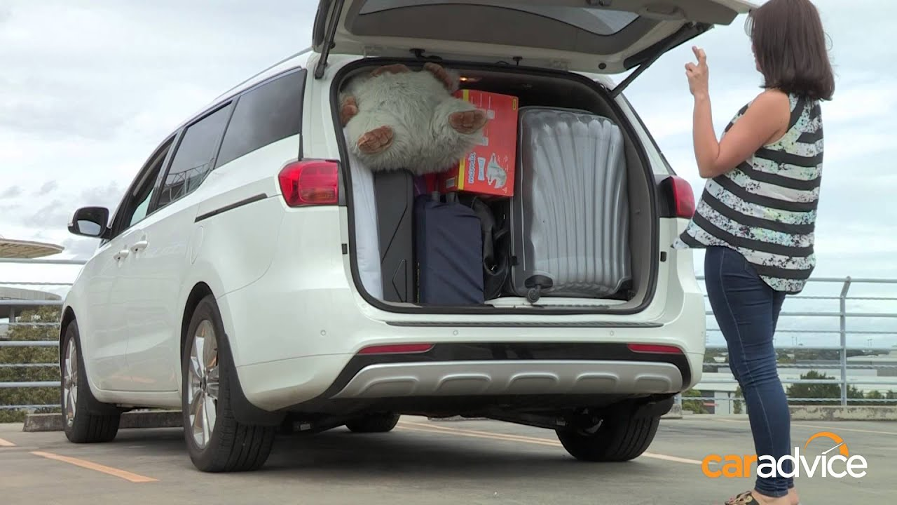 2015 Kia Carnival Mums vs Dads Challenge : Boot Tetris ...