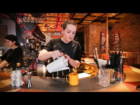 Tasting Coffee Cocktails in Brno (4pokoje) | ECT Weekly #006