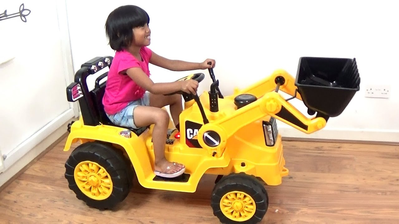 4658f19d0cc3 Toddler Unboxing HUGE Digger Kids Ride On Tractor SURPRISE
