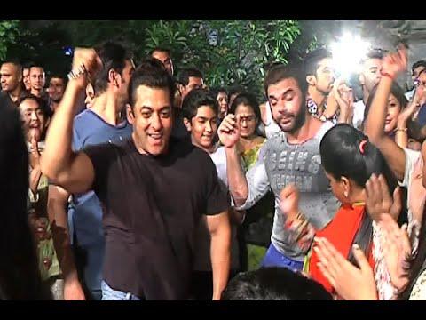 Salman Khan Ganesh Visarjan 2015 - FULL...