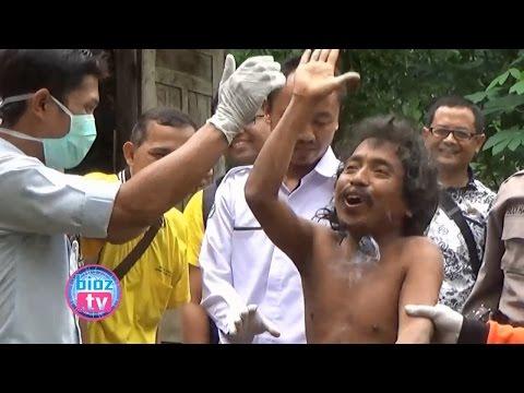 evakuasi-pria-tanpa-busana-setelah-15-tahun-di-rantai-dengan-pohon---bioz.tv
