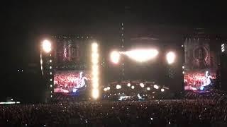 Dennis Rodman makes a cameo at Pearl Jam Wrigley