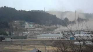 南三陸町志津川高校から見た津波の様子 Tsunami attacking in Minami-Sanriku thumbnail