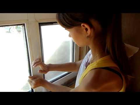 видео: Видео инструкция по утеплению окон прозрачной пленкой.