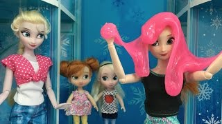 Slime Joke in Elsa's Ice Palace! Anna & Elsa Toddlers Prank Fun! Ooze Monster in the Toilet!