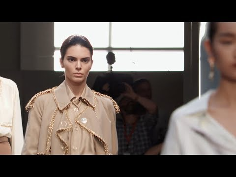The Burberry September 2018 Runway Show, London (4K)
