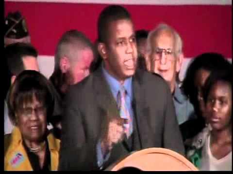 Kendrick Meek accepts Democratic nomination for US Senate