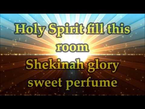 Martha Munizzi - Holy Spirit Fill This Room - Lyrics