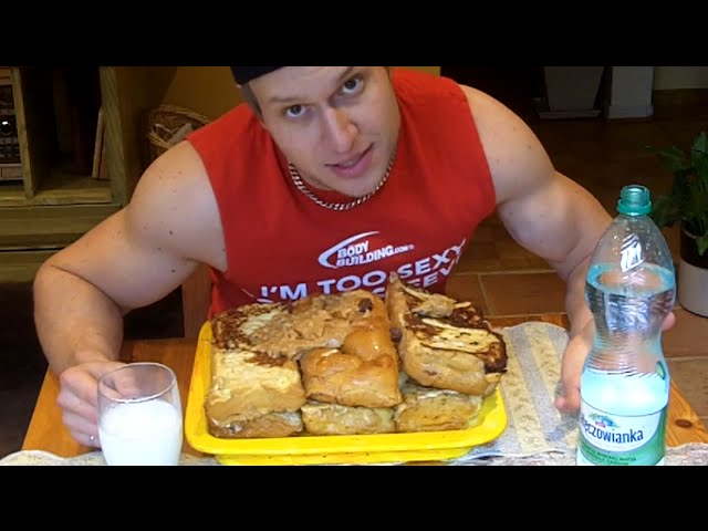 "Rob Lipsett, who has more than 91,000 subscribers, told his fans that the 10,000  calorie challenge is a ""YouTube rite of passage."""
