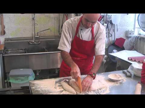 תכנית בישול בשידור חי מספר שש - מעכשיו כולם בישראל מתחילים להכין את הלחם שלהם.
