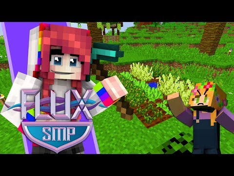 Repeat I PRANKED HER WITH CELERY! // Flux SMP [Multiplayer
