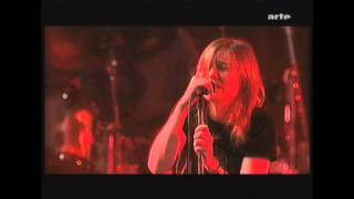 Beth Gibbons. Paleo 2003. (HD) 7. Being Bashful, Sand River (Live)