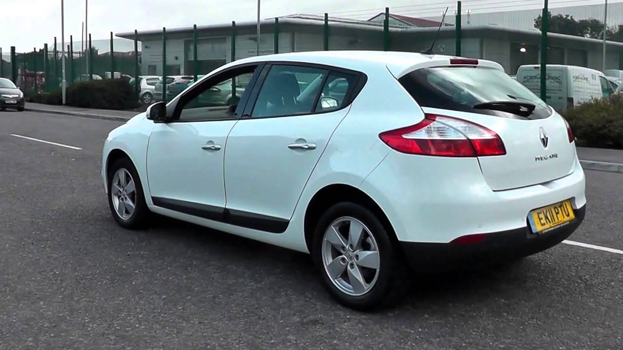 2011 renault megane dynamique tom tom white ek11ptu at toomey renault southend youtube. Black Bedroom Furniture Sets. Home Design Ideas