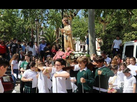 VÍDEO: Procesión de los escolares de La Purísima de Lucena con la Virgen Niña hasta San Mateo