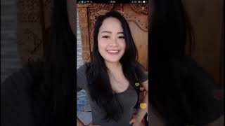 Download Video Viral mama wulan pamer bokong hot mantul pascol croot MP3 3GP MP4
