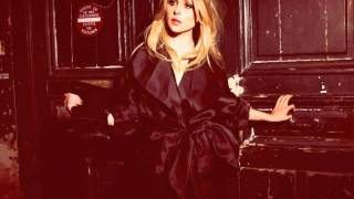 Diana Vickers covers Dancing In The Moonlight