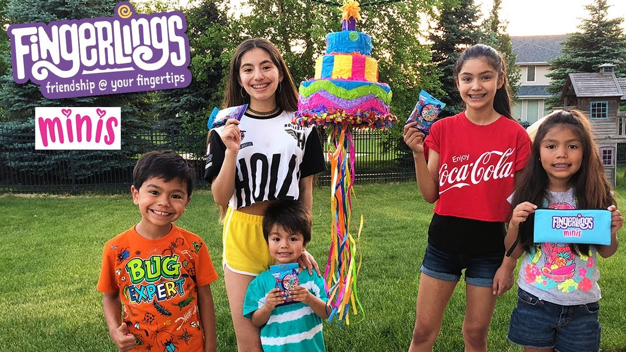 smashing-a-fingerlings-minis-pinata-filled-with-candy-and-blind-bags