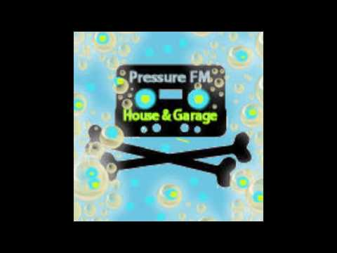 Banging 97 House & Garage Live Radio Mix DJ Decoy