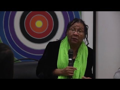 "bell hooks: ""I can no longer be a Hillary Clinton supporter!"""